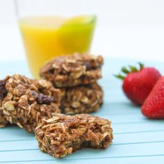 Baking with Cereal! Recipes include banana choc-chip Weet-Bix muffins, peanut butter marshmallow cereal bars, chocolate Weet-Bix slice & more. Breakfast Cookie Recipe, Breakfast Recipes, Cereal Recipes, Cookie Recipes, Deceptively Delicious, B Food, Cookies Ingredients, Easy Cooking, Healthy Snacks