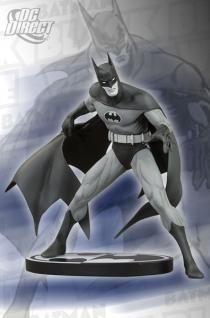 BATMAN BLACK AND WHITE: JIM APARO: BATMAN STATUE   DC Comics