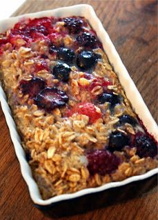Baked Banana Bread Oatmeal. Our favorite version: mixed berry!!