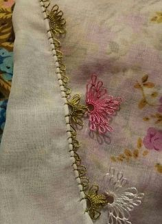 Pedi, Crafts, Amigurumi, Tejidos, Hand Embroidery, Hands, Manualidades, Handmade Crafts, Craft