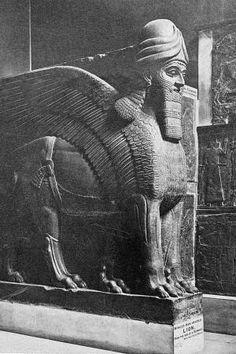 Das steinerne Portal von Nimrud, einst assyrische Hauptstadt unter Ashurnasirpal II. IS-Terroristen sollen das 3000 Jahre alte Kulturgut regelrecht planiert haben