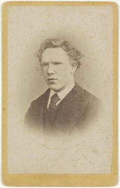 Vincent van Gogh aged nineteen, 1873 Wow! Benedict Cumberbatch could play him very easily...