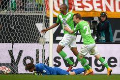 Γερμανία: Αμφίρροπη μάχη το Σάλκε – Βόλφσμπουργκ Basketball Court, Sports, Tips, Wolfsburg, Hs Sports, Sport, Counseling