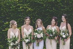 Fresh and Modern Garden Wedding - color pallete