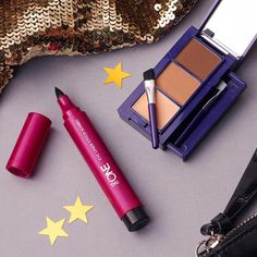 If you have to choose one big 2016 trend to keep next year, would you pick contouring or strong eyes? #Oriflame #Makeup