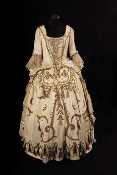 L'abito di Cenerentola indossato dal mezzosoprano spagnolo Teresa Berganza.