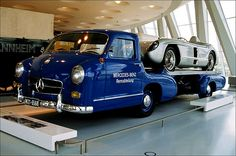 09_14 STUTTGART - Mercedes Museum (high-speed racingcar transporter, 1955),