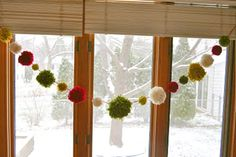 yarn pom pom tutorial {yarn crafts} :: normally, i can't stand the pompoms, but this looks kinda cute and festive in the window. Yarn Projects, Diy Projects To Try, Yarn Crafts, Diy And Crafts, Christmas Holidays, Christmas Decorations, Xmas, Pom Pom Tutorial, Holiday Crafts