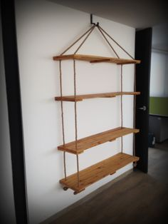 In addition to easy to do it is very cheap, because basically what you need … - Babyzimmer Furniture Styles, Home Decor Furniture, Modern Furniture, Diy Home Decor, Rope Shelves, Hanging Shelves, Shelving, Hanging Closet, New Room