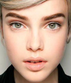 Дневной макияж зеленых глаз ::: onelady.ru ::: #makeup #eyes #eyemakeup