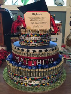 Graduation should be celebrated as the day of success, a long and challenging process. Diy Graduation Gifts, Graduation Party Planning, College Graduation Parties, Graduation Celebration, Graduation Party Decor, Grad Parties, Graduation Ideas, Graduation Ornament, Money Birthday Cake