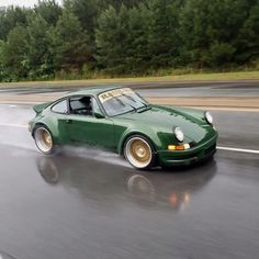 Porsche cars, cars and more cars. Porsche 964, Porsche Carrera, Porsche Autos, Porsche Cars, Porsche Classic, Ford Classic Cars, Nissan Gtr R35, Maserati, Lamborghini