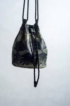 Bucket bag. Snake bag. This bag was sewn by me. http://madewhatwanted.blogspot.com/2016/02/zaczynamy.html?spref=pi&m=1