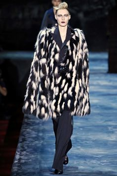 Marc Jacobs Fall 2015 Ready-to-Wear Fashion Show - Erin O'Connor