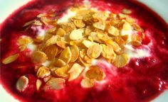 Rezept: Warme Früchte, Nüsse, Honig, Zimt und als i-Tüpfelchen Joghurt!