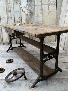 <3 singer sewing table base