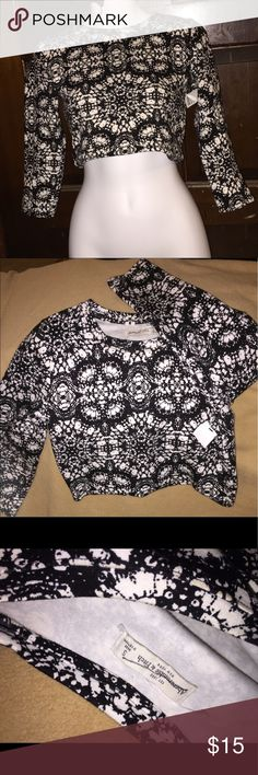 gorgeous crop top😍 Never worn , sleeves are quarter on me but I have long arms and the design is lovely . I'm open to offers ! Abercrombie & Fitch Tops Crop Tops