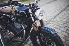 Triumph Bonneville T100 backdating project created by BAAK Motocyclettes.