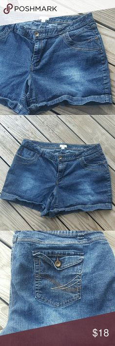 eea39a29834 Shop Women s Cato size 20 Jean Shorts at a discounted price at Poshmark.  Description  Size 20 Classic Plus size jean shorts.
