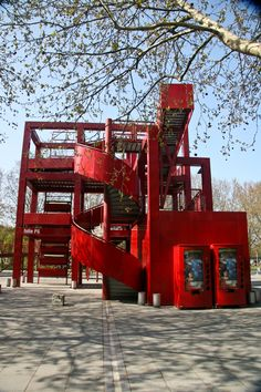 Galería de Clásicos de Arquitectura: Parc de la Villette / Bernard Tschumi Architects - 13