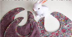 """Dans la série """"cadeaux de naissance"""", voici les bavoirs, réalisés pour une petite Alice. Comme je n'ai pas trouvé de patron de bavoir qui me..."""