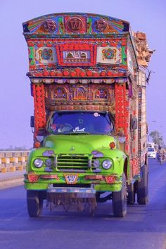 King of the road! | Pakistani Truck