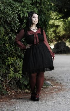 Black and maroon. Adorable Outfit!!