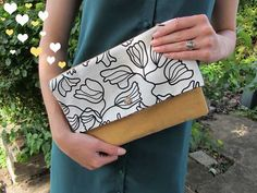 The Bumbling Bee: DIY oversized clutch bag