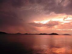 Post blog new entry  【Sudden shower & sunset glow  at Hakata bay in Japan 】 http://evpo.st/1kgYXJj sample: