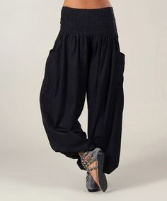 Look at this Aller Simplement Black Ruched Pocket Harem Pants on today! Samurai Pants, Comfy Pants, Modest Fashion, Harem Pants, Trousers, Ideias Fashion, Stylish, My Style, Casual