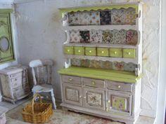 ♡ ♡ Miniature shabby chic dresser