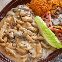 One of the all-time dinner favorites at El Mariachi is Pollo a la Crema, a tender, sliced chicken breast and mushrooms, simmered in a rich cream sauce. Everyone is loving it! Try it yourself! Get a holiday El Mariachi gift certificate! For every $25 spent, El Mariachi will give you a $5 bonus! Get yours today. This promotion ends January 1st!