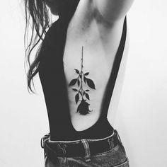 67 Trendy Tattoo Fonts For Girls Ribs Tatoo Tattoo Girls, Girl Rib Tattoos, Rib Tattoos For Women, Meaningful Tattoos For Women, Feather Tattoos, Sleeve Tattoos, Rose Rib Tattoos, Tattoos On Side Ribs, Black Rose Tattoos