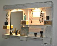 Badschränke - Palettenmöbel Spiegelschrank No1 Weiß Schminktisch - ein Designerstück von Woody-Dekor bei DaWanda