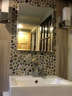 sliced pebble backsplash bath - Google Search