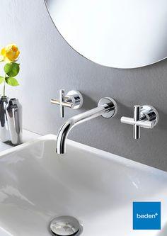 Met een moderne inbouwkraan van Hotbath zijn de leidingen en het kraanhuis netjes in de muur weggewerkt. Vraag er naar bij uw Baden+ badkamerspecialist.
