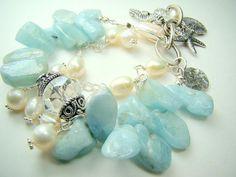 Aquamarine Dreams... bracelet of aquamarine and pearls