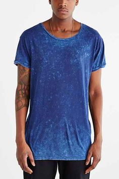 Feathers Mineralized Open Neck Long Tee - Urban Outfitters