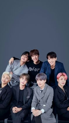 [ At the beginning I thought it was a photo of Jungkook not sent, but then … – BTS Wallpapers Bts Taehyung, Bts Bangtan Boy, Bts Jimin, Namjoon, Bts Group Picture, Bts Group Photos, Exo Group Photo, Foto Bts, Kpop
