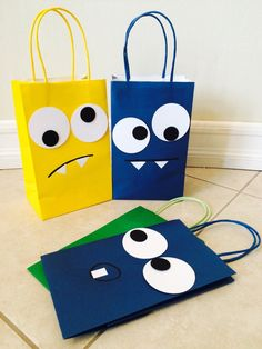 Items similar to Little monster themed goodie bags on Etsy - Hobi - Geschenkideen Paper Gift Bags, Paper Gifts, Creative Gift Wrapping, Creative Gifts, Sac Halloween, Decorated Gift Bags, Diy Gifts, Handmade Gifts, Monster Birthday Parties