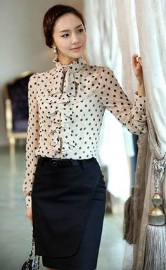 Elegant Style Stand Collar Polka Dot Flouncing Embellished Long Sleeve Chiffon Shirt For Women Business Dress, Business Mode, Business Attire, Office Outfits, Mode Outfits, Casual Office, White Office, Skirt Outfits, Office Fashion