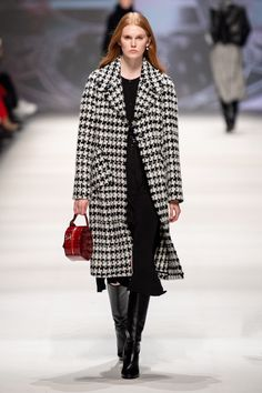 Fashion 2020, Look Fashion, Fashion Show, High Fashion, Mode Outfits, Casual Outfits, Fashion Outfits, Fashion Trends, Vogue Paris