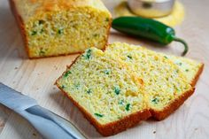 Jalapeno Cornbread - Buttermilk cornbread with the spicy hit of jalapenos! Buttermilk Cornbread, Jalapeno Cornbread, Jalapeno Bread, Jalapeno Cheddar, I Love Food, Good Food, Yummy Food, Tasty, Jalapeno Chili
