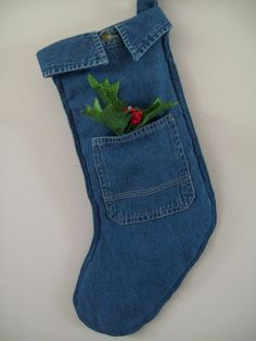 Love these denim CHRISTmas Stockings #Noel #Recycle #Jeans...this might be our Christmas stockings this year