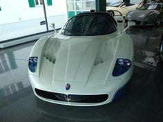 2005 Maserati MC12 £800,000