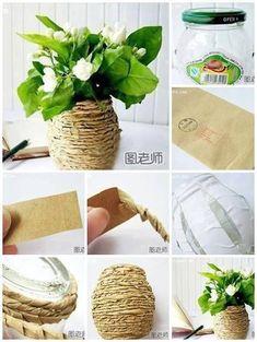Ecco una bella idea che utilizza cose semplici come un vasetto di vetro di riciclo e della carta per il pane che diventano un grazioso vasetto country e co