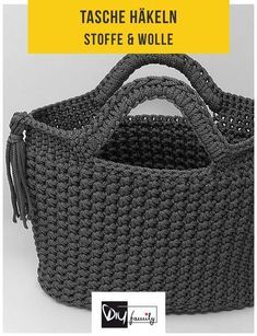 Tasche mit Sternchenmaschen – Häkelanleitung - DIY-Family Always wanted to figure out how to knit, but unsure where do you start? This particular Absolute Beginner Knitting Seque. Crochet Camera, Camera Purse, Wearable Device, Handmade Handbags, Purses And Handbags, Bag Making, Louis Vuitton Damier, Free Crochet, Straw Bag