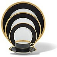 black and gold serrated dinnerwear plates  | Haviland Laque de Chine Black & Gold Dinner Plate