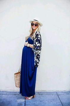 outfit vestido para embarazo luce hermosa con un vestido largo azul rey