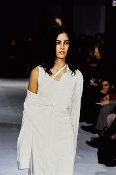 Ann Demeulemeester Spring 1997 Ready-to-Wear Fashion Show - Danielle Zinaich